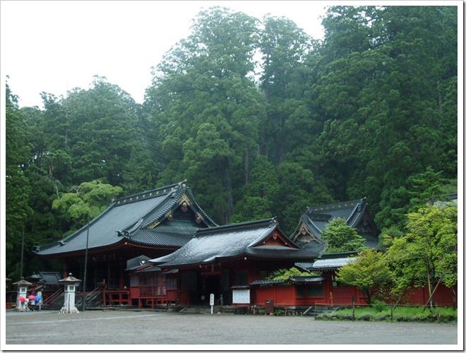 二荒山神社 拝殿と本殿