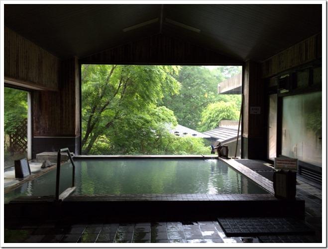 内風呂全景