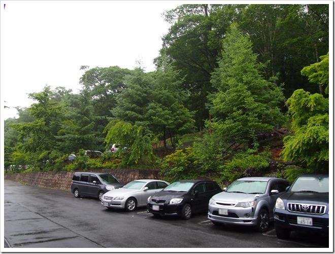 ホテル駐車場とその周辺風景1